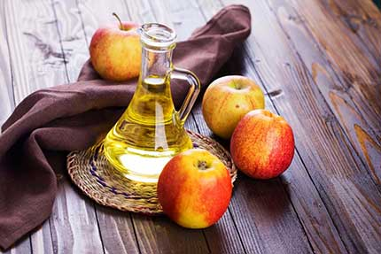ماسك-زيت-الزيتون-وخل-التفاح-للاهتمام-بالشعر-المصبوغ